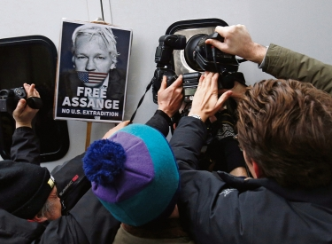 Julian Assange vor dem Westminster Magistrates Court in London, 13. Januar
