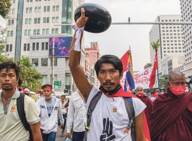 Demonstration gegen den Putsch in Yangon